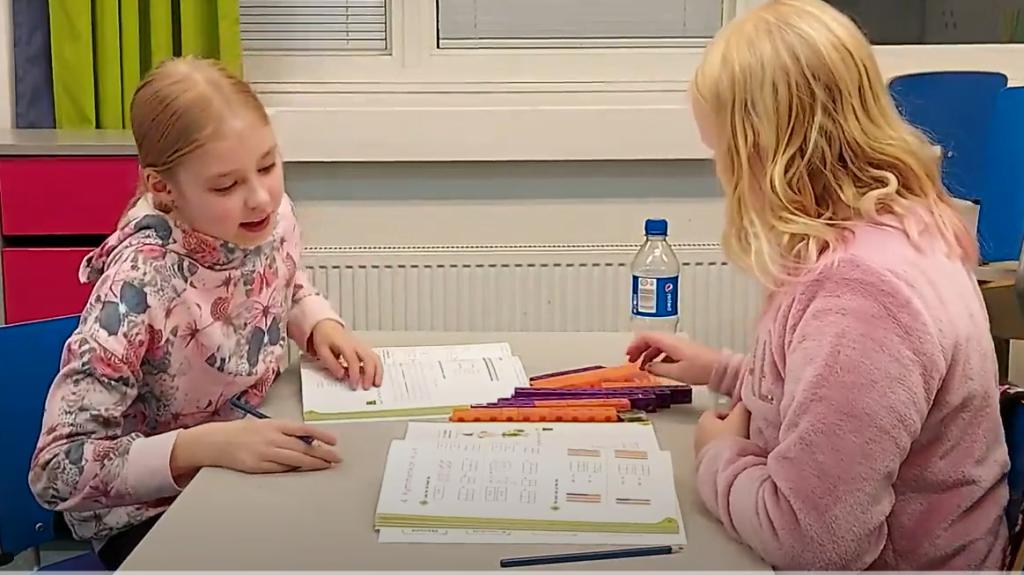 Oppilaat oppivat matematiikkaa ja laskemista yhdessä tekemällä
